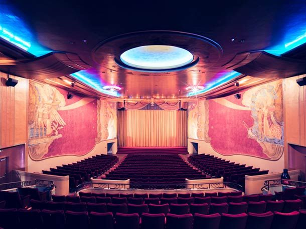 18 best MOVIE PALACES OF YESTERYEAR images on Pinterest   Movie ...