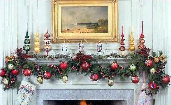 Ornament Christmas MantleMantles Decor, Decor Ideas, Fireplaces Mantels, Trees Toppers, Mantel Decor, Christmas Fireplace, Christmas Decor, Christmas Mantles, Christmas Mantels