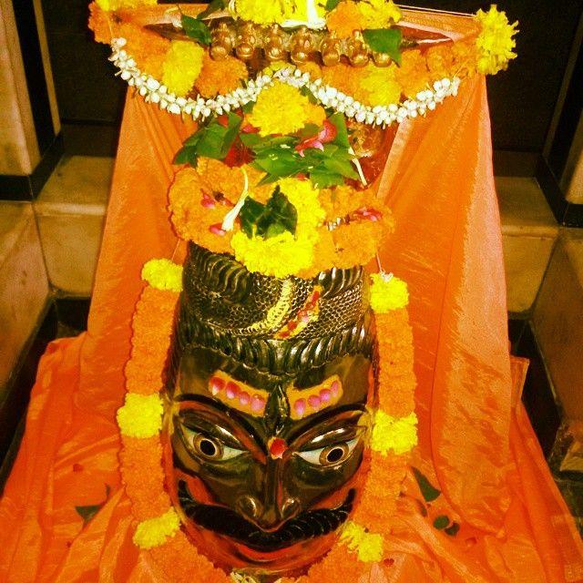 #photooftheday #instagram #indiapictures#shiva #avtar#virkral #mahadeva #mahakal #lingam #tryambaka #om #mankeshwar #mazgoan #igers #mumbai.