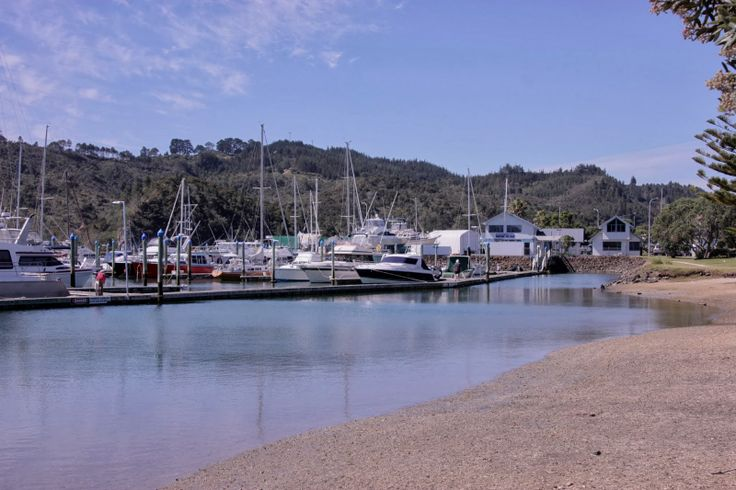 The marina in Whitianga is right in the town center. Nice place with friendly staff and a very handy base to explore the area from and do some provisioning.