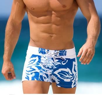 Белые пляжные шорты