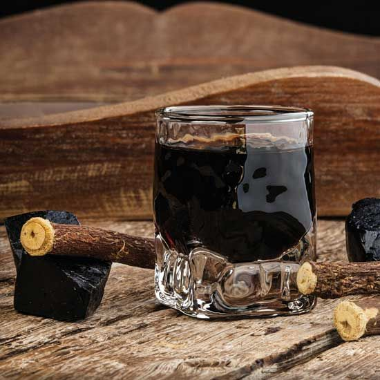 The uses of licorice extend much further than candy, both in the kitchen and in medicine. Discover the healing benefits of licorice root for treating sore throats, ulcers, Addison's disease and more.
