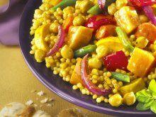 Ein buntes Vergnügen: Gemüse-Couscous | Zeit: 45 Min. | http://eatsmarter.de/rezepte/gemuese-couscous-5