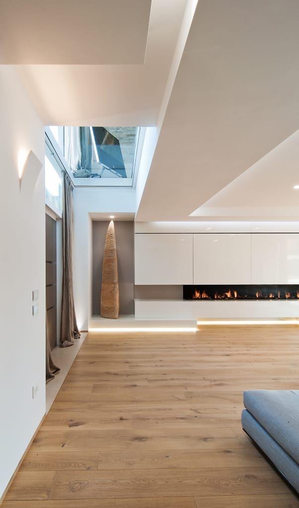 Sfoglia immagini di Soggiorno in stile in stile Moderno e di colore bianco : salotto. Lasciati ispirare dalle nostre immagini per trovare l'idea perfetta per la tua casa.