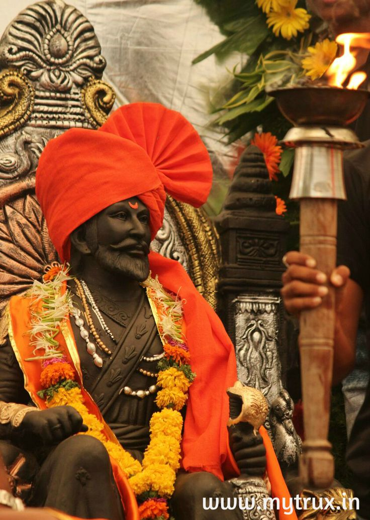 """Let's bow to the Epitome of Courage, Bravery and The Pride of Maharashta & India, """"The Father of Indian Navy"""" Happy Shiv Jayanti #HarHarMahadev"""