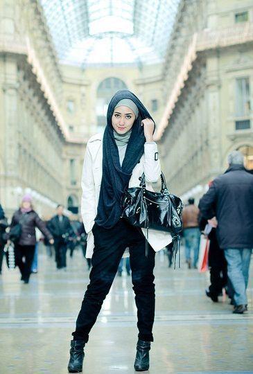 Hijab Street Style Fashion  dian pelangi hijab street #StreetHijabFashion
