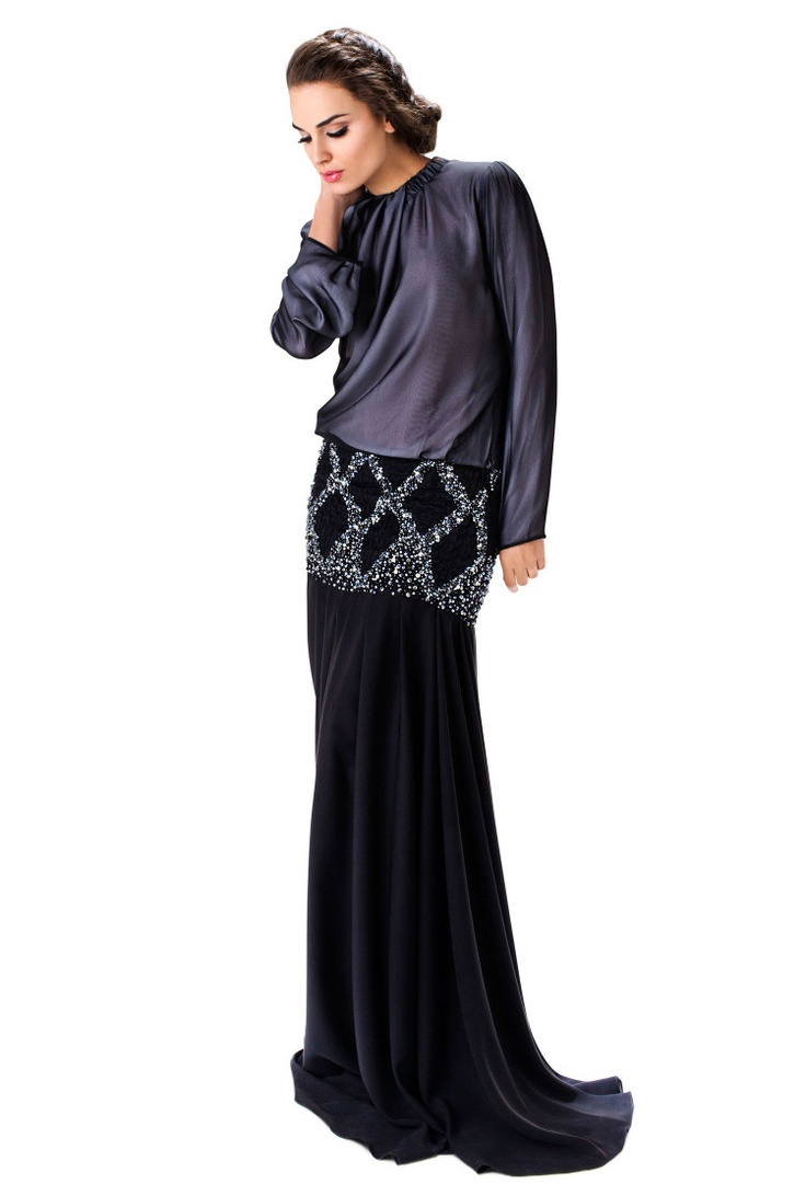 The khaleeji abayas are also must haves. This one in particular i like because of the waist detail. Pretty different from the typical belt accessory. My only concern is would this work for someone who's got a lil eh hem junk in her trunk (good junk ;) ) other than that my wardrobe is beginning to look quite fantastic!