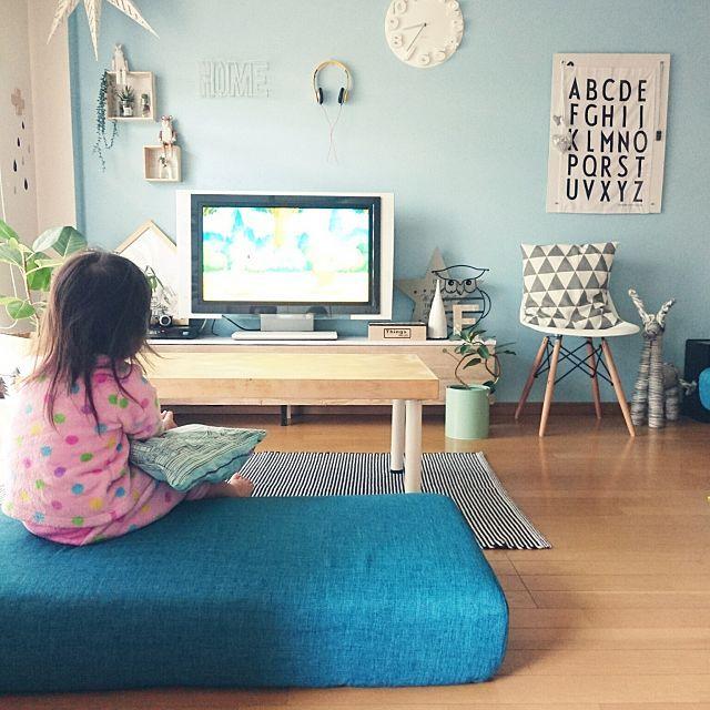 ロースタイルが新鮮 ほっこり落ち着く 床に近い暮らし ソファなしリビング インテリア 日本のリビングルーム