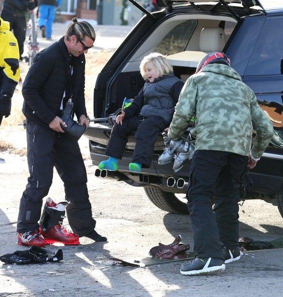 Gwen Stefani takes her son Zuma to ski class