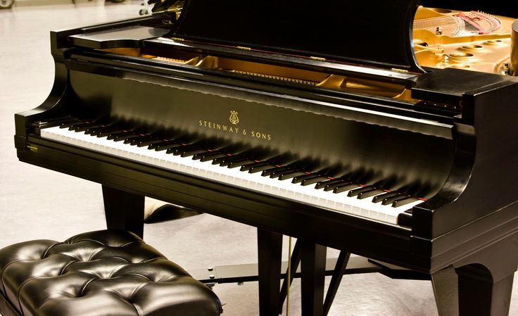 Purchasing a Piano New:If you're purchasing a piano new, there are a few things to keep in mind. Buy from a reputable piano dealer. Be sure to ask abou
