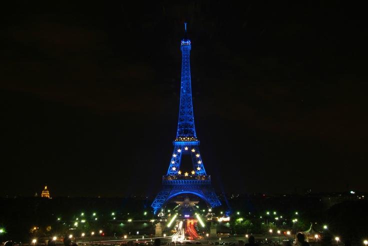7 best images about la tour eiffel en couleurs on - Couleur de la tour eiffel ...