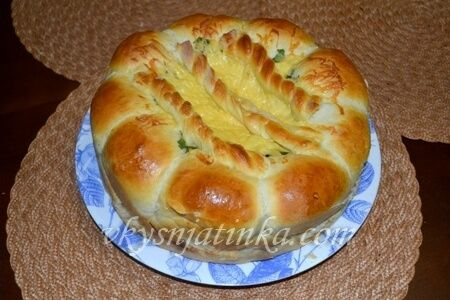 Пирог с колбасой и сыром (фото)