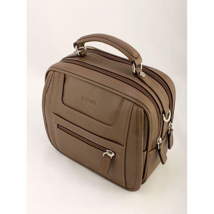 2015 Erkek Çanta Modelleri - http://www.gelinlikvitrini.com/2015-erkek-canta-modelleri/ - #2015ErkekÇantaModelleri, #Trend2015ErkekÇantaModelleri   2015 Erkek Çanta Modelleri Eski zamanlarda çanta dendiğinde ilk akla gelen bayan çantaları olabilmekteydi. Fakat artık günümüzde erkekler tarafından da çantalar yaygın olarak kullanılmaktadır. Çünkü günümüzün teknolojik gelişmeleri sayesinde, akıllı telefonlar, tabletler ve laptoplar için pek çok...