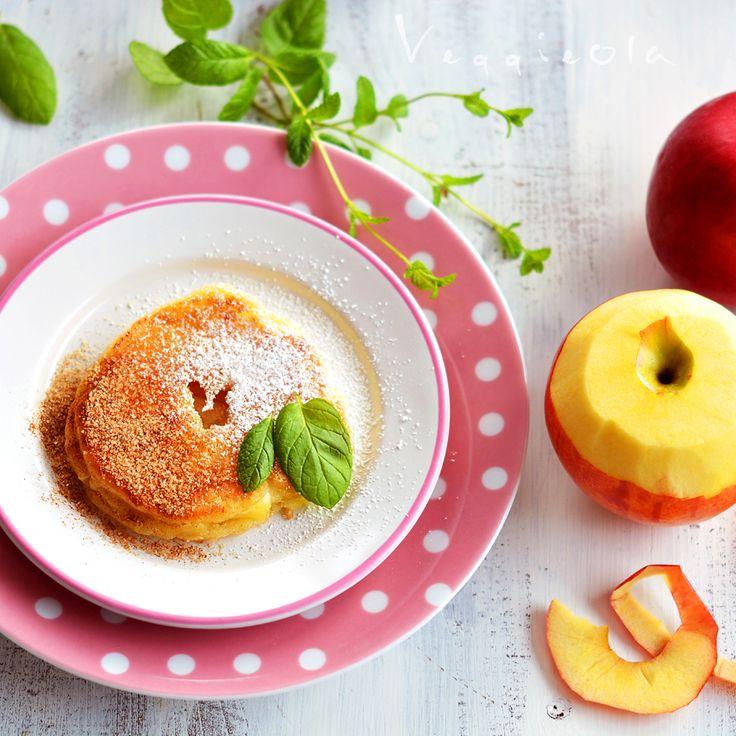 veggieola: Jabłka w cieście naleśnikowym