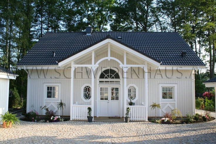 Best 20 holzhaus bungalow ideas on pinterest holzhaus for Cottage haus bauen