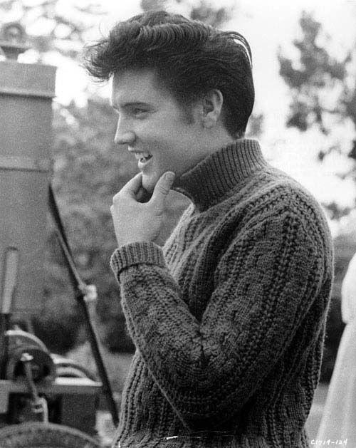 Elvis: Young Elvis, This Men, Vintage Sweaters, Beautiful People, Elvis Presley, Elvispresley Cableknit, Knits Sweaters, Elvis Pictures, Cable Knits