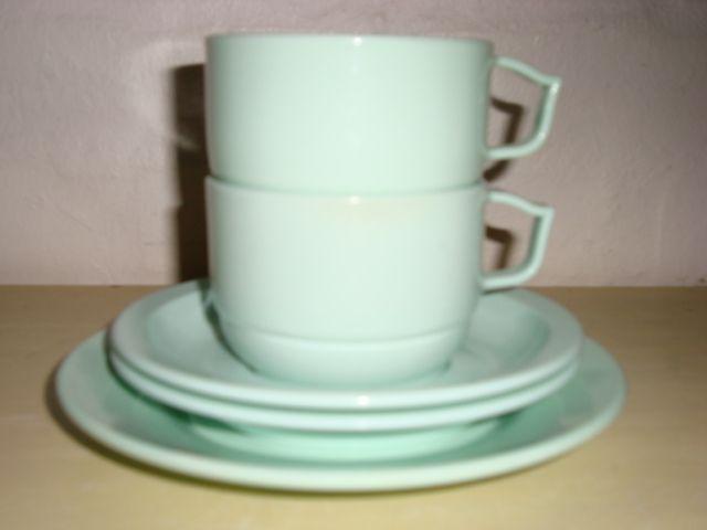 ROSTI Mepal Danish design retro coffee cups - 1950s. Melamin. Kaffekopper. #rosti #danishdesign #danskdesign #retro #coffeecups #50s #kaffekopper #melamin #kitchenware SOLGT/SOLD on www.TRENDYenser.com