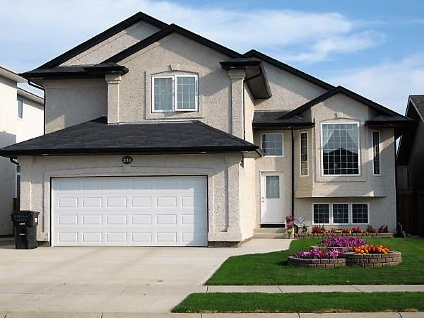We have a New Listing in Saskatoon Willowgrove! https://saskhouses.com/listings/231-addison-road-saskatoon-willowgrove/ #yxe #willowgrove