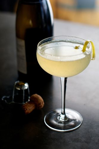 Airmail - Rum, Honey Syrup, Lime Juice, Champagne