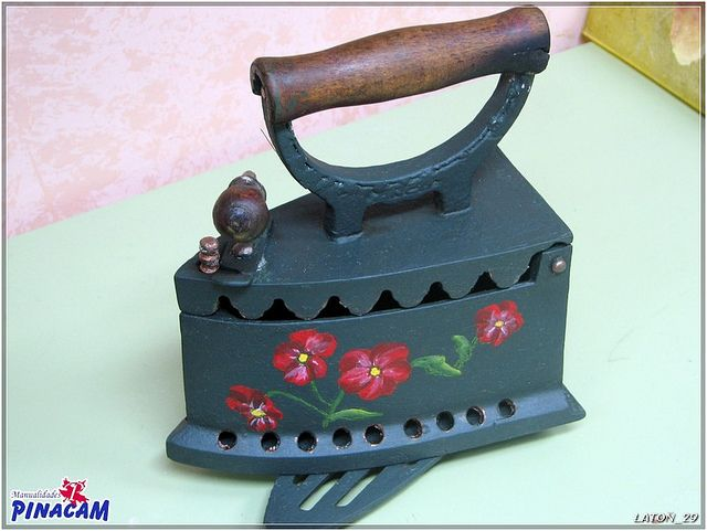 Plancha decorada.  www.manualidadespinacam.com #manualidades #pinacam #latón