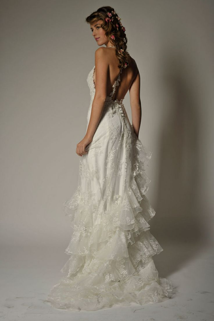 Vestido de novia en tela encaje sin espalda..,