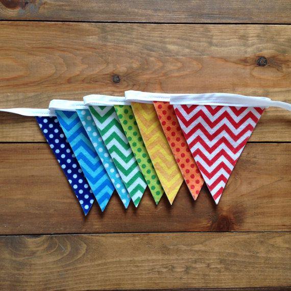 Banderoles, guirlandes colorées pour animer une fête denfant, décorer une chambre, un commerce, un événement spécial, une séance photo ou simplement