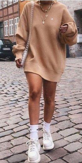 22 lässige übergroße Hoodie-Ideen für Frauen #LässigOutfits #OversizedHoodie #Lesen …   – Womens style