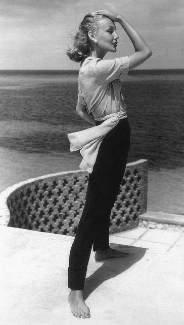 Liz Pringle, photo by John Rawlings, Vogue, May 1, 1953