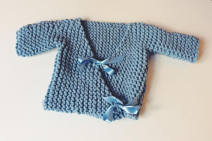 Loomed baby kimono sweater by @knittingpoppy