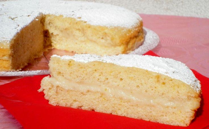 Ricetta della torta al limone senza buro e uova, fresco e leggero dolce vegan farcito con fresca crema al limone ideale per merenda come dolce a fine pasto