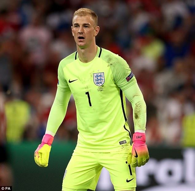 Gareth Southgate Insists Joe Hart S England Career Is Not Over England Football Team Goalkeeper England Football