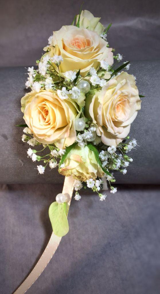 Wunderschönes  florales Armband für die Braut