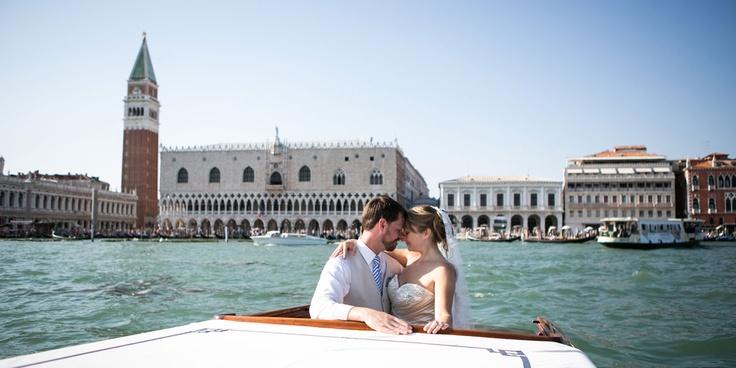 Luxury wedding in Venice with lagoon cruise
