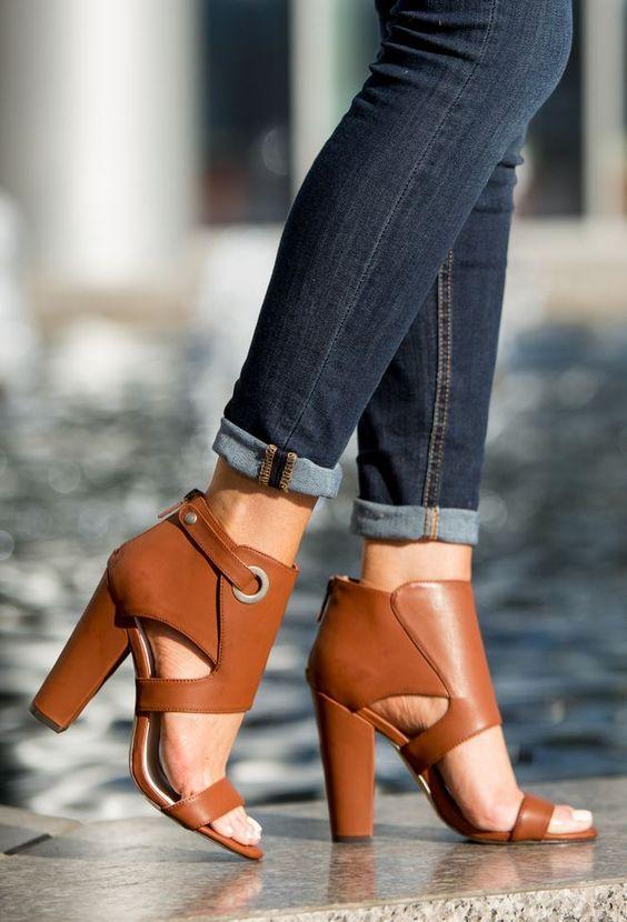 How to Wear Block Heels?