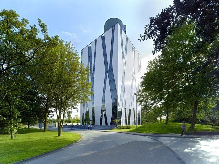 Medical Library for the University of Heinrich Heine and the University Clinic in Dusseldorf, Germany,