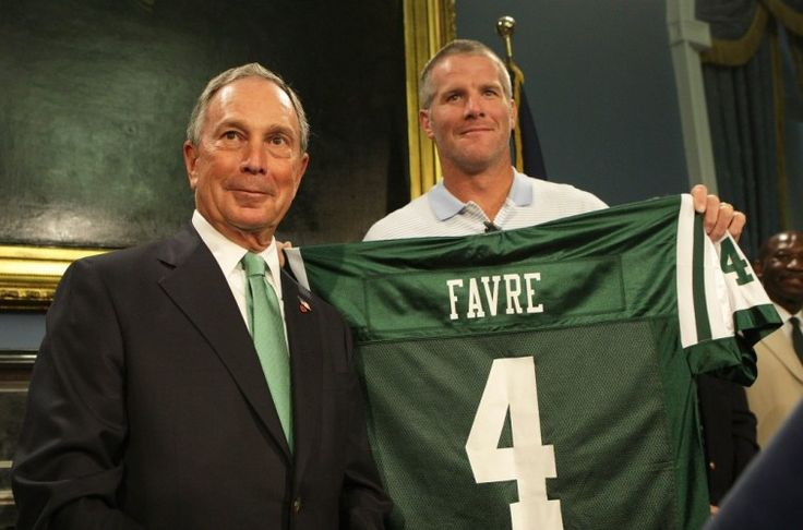 NEW YORK - AUGUST 08: New York City Mayor Michael Bloomberg and Brett Favre pose for a photo during a press conference to Welcome Brett Favre to New York at City Hall on August 8, 2008 in New York City. Favre was traded to the New York Jets from the Green Bay Packers. (Photo by Mike Stobe/Getty Images)