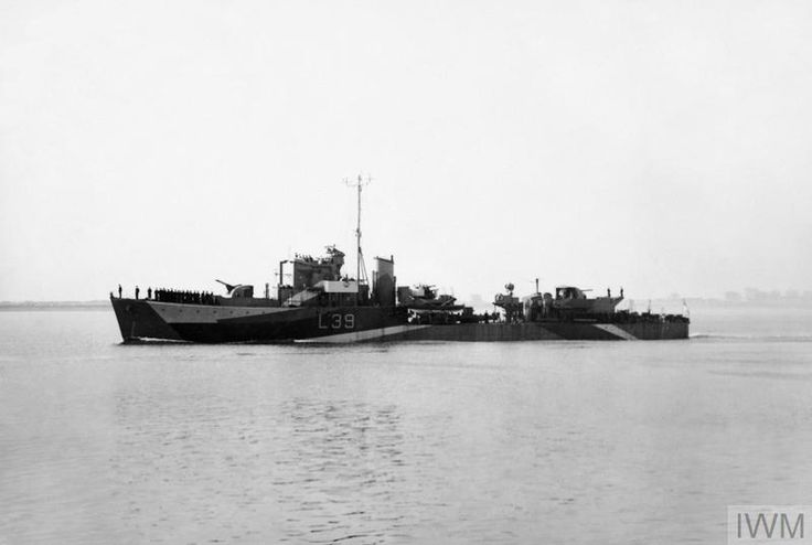 HMS Rockwood(L39), a Type III Hunt class Destroyer, built by Vickers Armstrong at Barrow in Furness & commissioned 4/11/42. 11/11/43 heavily damaged by a German glider bomb in the Aegean Sea.  Declared a constructive total loss & paid off in 5/44, placed in reserve until being scrapped at Gateshead in 8/46.
