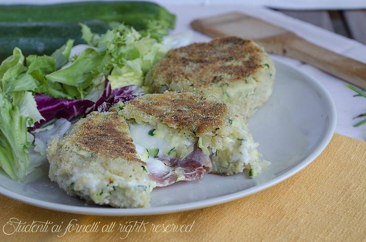 ricetta cordon bleu hamburger di zucchine e patate con prosciutto e mozzarella ricetta secondo gustoso veloce in padella