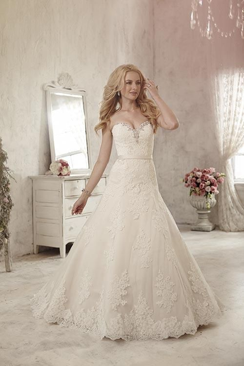 Lace Wedding Dresses  Canada : Balletts bridal  wedding gown by jacquelin