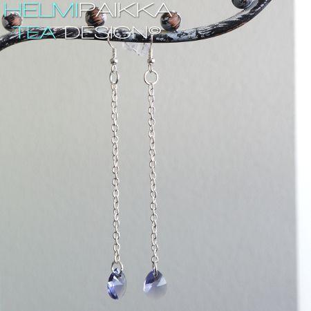 Swarovskin kristallipisarat ketjussa, tanzaniitti