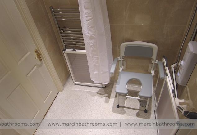 Douche stoel voor minder validen Deluxe Horseshoe Padded Fold Down Shower Seat