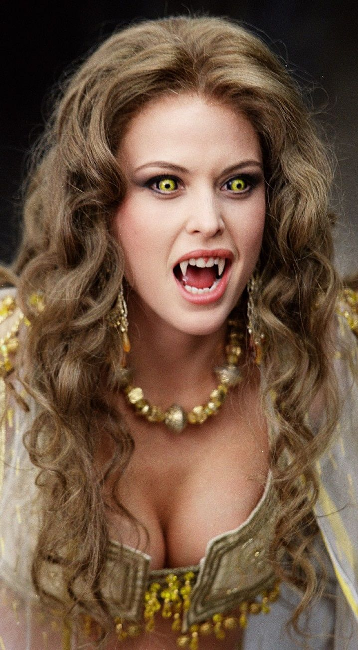 Josie Maran as Marishka in Van Helsing.