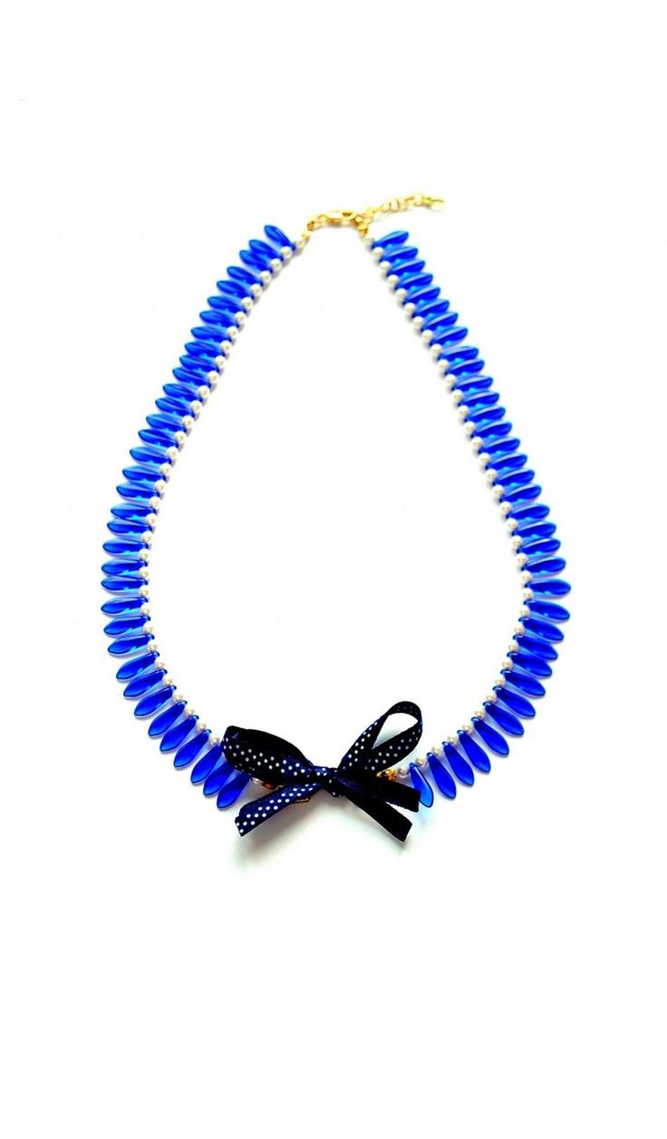 Colier guler cu perle, margele din sticla de Cehia si fundita
