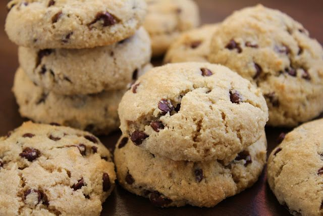 chocolate chip cookies made with almond flour  - healthy, gluten free & low FODMAP
