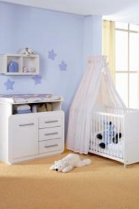chambre de bébé ciel de lit
