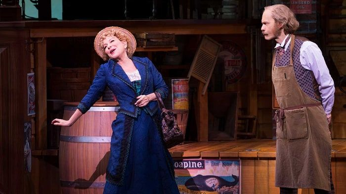Travers Reviews Bette Midler in 'Hello, Dolly' Broadway Revival - Rolling Stone
