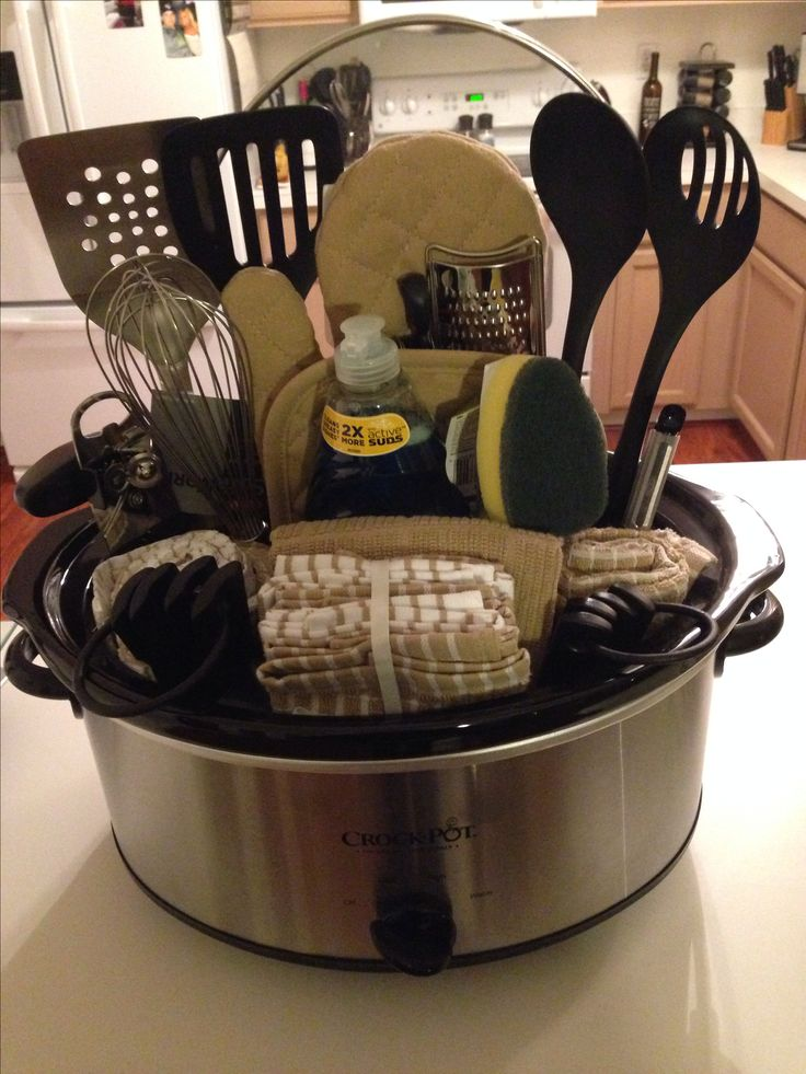 kitchen present ideas 25 best ideas about silent auction baskets on 13738