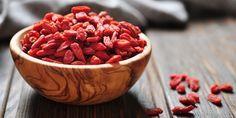 Вся правда о суперфудах: так ли полезны ягоды годжи и семена чиа, как о них говорят - https://lifehacker.ru/2016/09/28/superfoods-2/