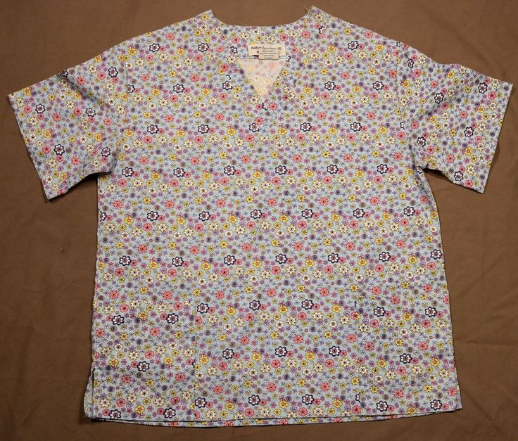 Spring Scrub Uniform Top Sz S Flowers Pockets Blue Pink Purple Dentist Nurse Vet #NaturalUniforms