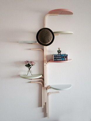 Aus dem IKEA Frosta Stuhl tolles Baumregal basteln